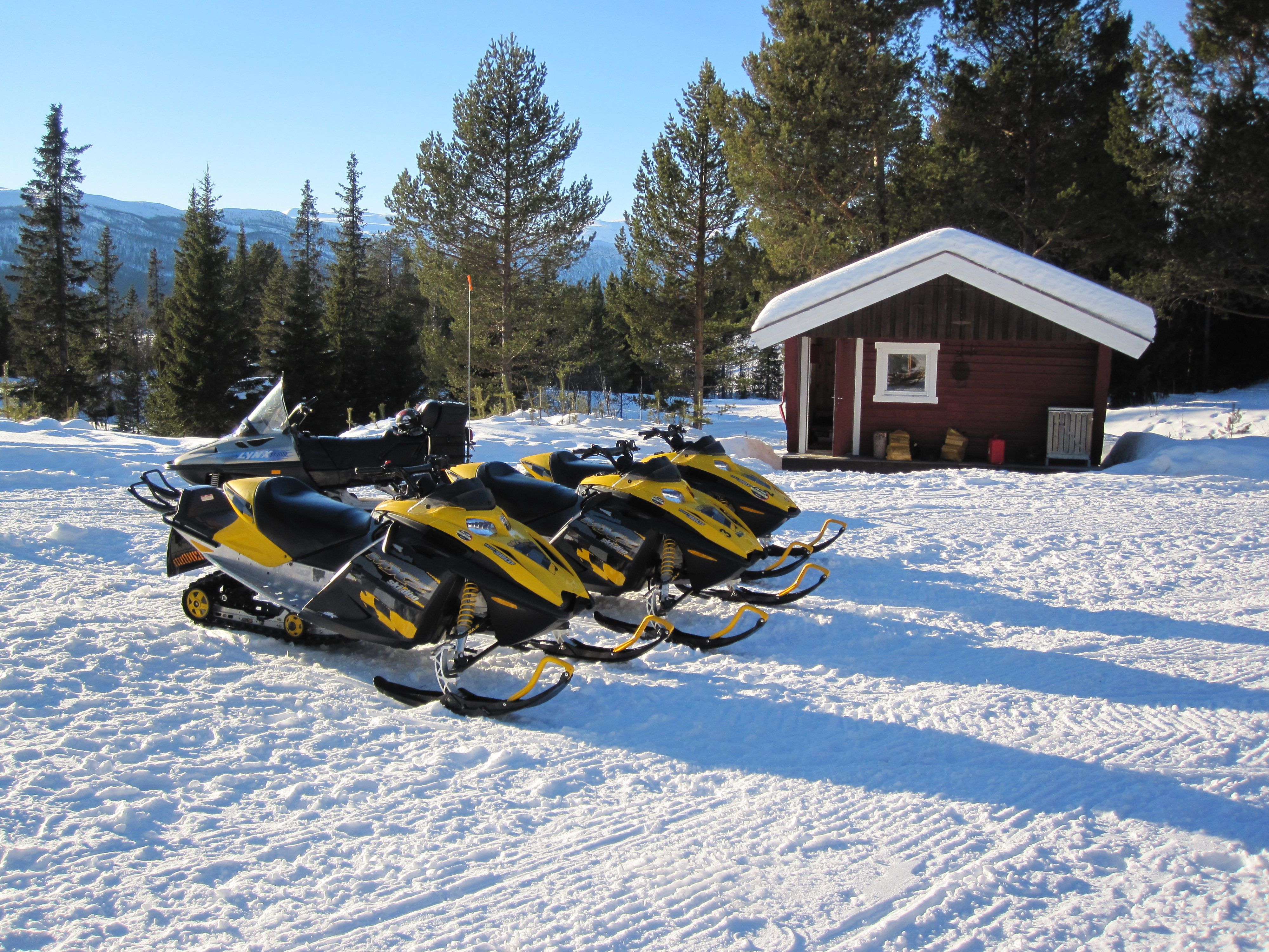 very fast snowmobile. Black Bedroom Furniture Sets. Home Design Ideas